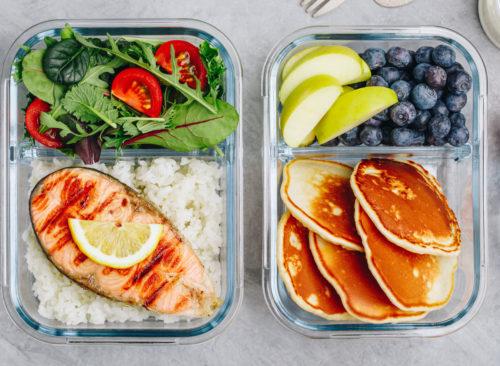 Alimentos Cocinar Desayuno Almuerzo Cena Ensalada De Salmón Panqueques Fruta - Pérdida de peso no saludable