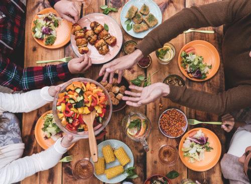 Amigos a través de la comida