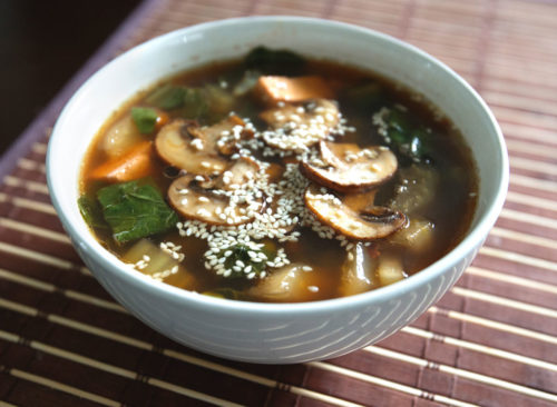 Shiitake, repollo, tofu, sopa de miso